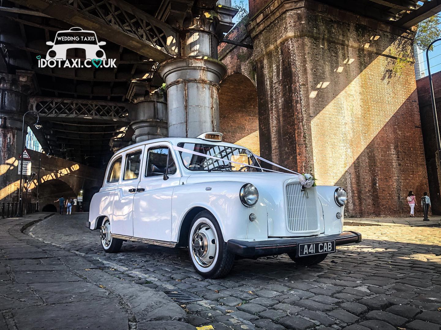 classic wedding car manchester taxi - Copy